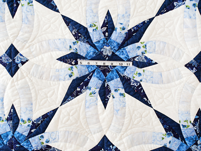 Navy and Blue Wedding Ring Star Quilt Photo 3