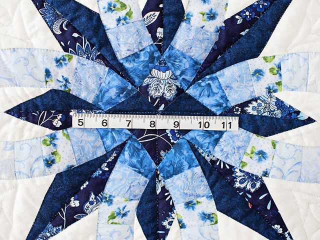 Navy and Blue Wedding Ring Star Quilt Photo 4