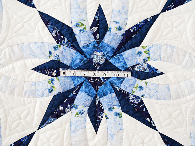 Navy and Blue Wedding Ring Star Quilt Photo 5