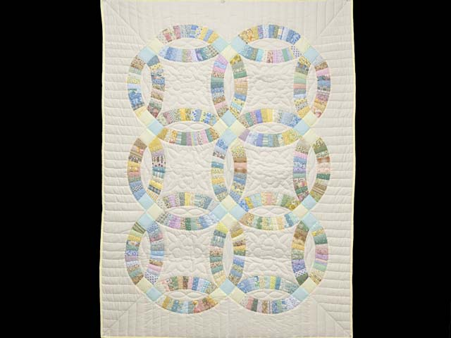 Fine Pastel Double Wedding Ring Crib Quilt Photo 1