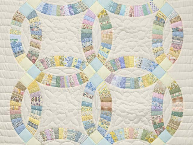 Fine Pastel Double Wedding Ring Crib Quilt Photo 2