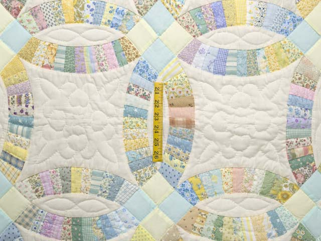 Fine Pastel Double Wedding Ring Crib Quilt Photo 3