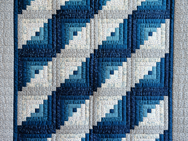Navy and Blue Log Cabin Crib Quilt Photo 2