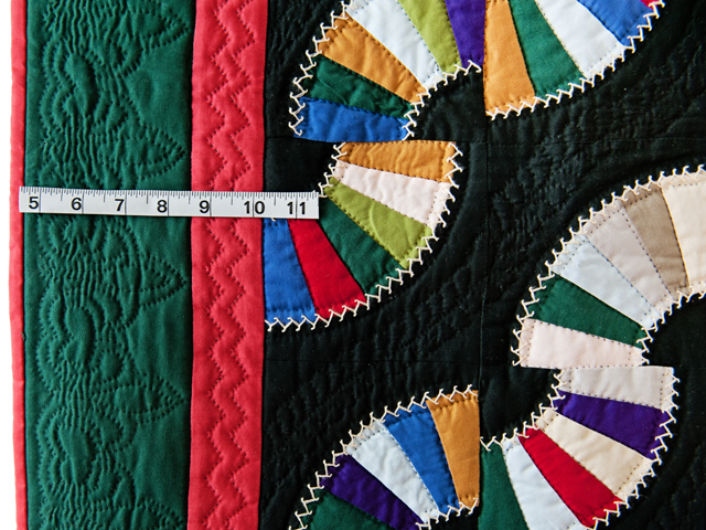 Indiana Amish Old Fashioned Fans Quilt Photo 4