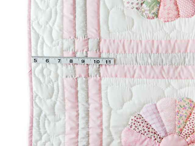 Soft Pink and Gray Dresden Plate Crib Quilt Photo 3