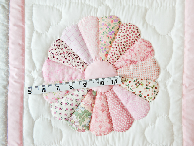 Soft Pink and Gray Dresden Plate Crib Quilt Photo 4