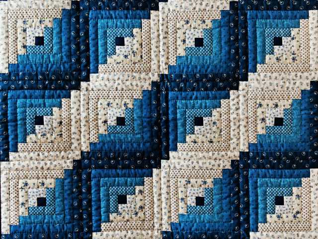 Navy Log Cabin Crib Quilt Photo 2