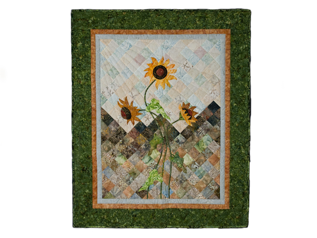 Sunflower Mountain -  Patchwork/Applique and Quilting combination Photo 1