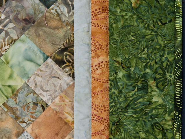 Sunflower Mountain -  Patchwork/Applique and Quilting combination Photo 5