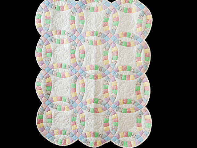 Pastel and White Wedding Ring Crib Quilt Photo 1