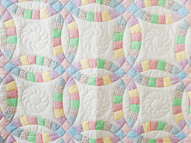 Pastel and White Wedding Ring Crib Quilt Photo 2