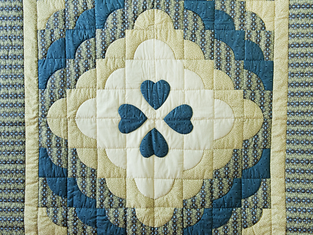 Blue & Cream Ocean Wave And Hearts Quilt Photo 2