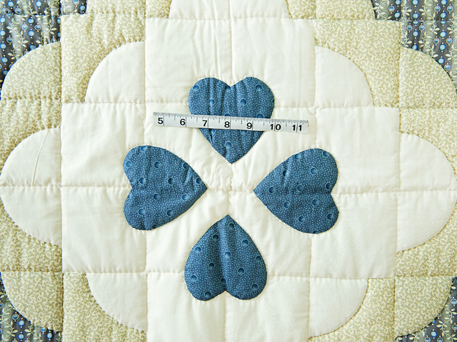 Blue & Cream Ocean Wave And Hearts Quilt Photo 3
