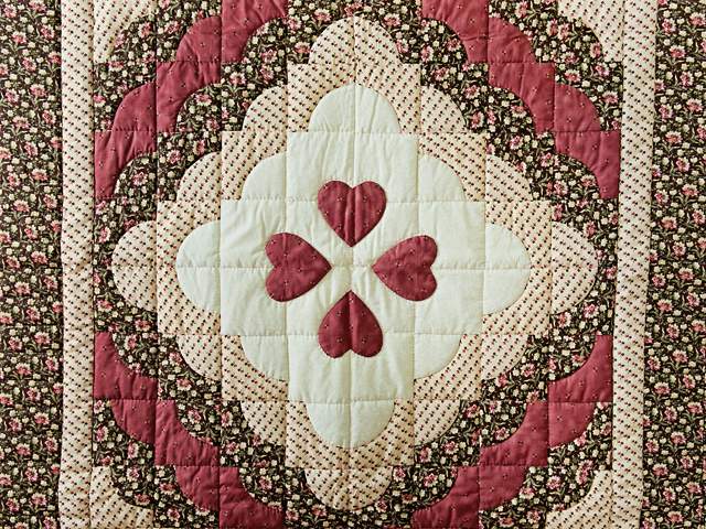 Rose, Brown & Cream Ocean Wave And Hearts Quilt Photo 2