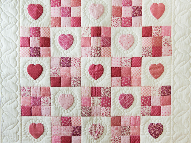 Rose and Cream Hearts & Nine Patch Crib Quilt Photo 2