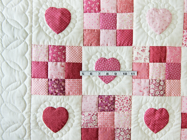 Rose and Cream Hearts & Nine Patch Crib Quilt Photo 3