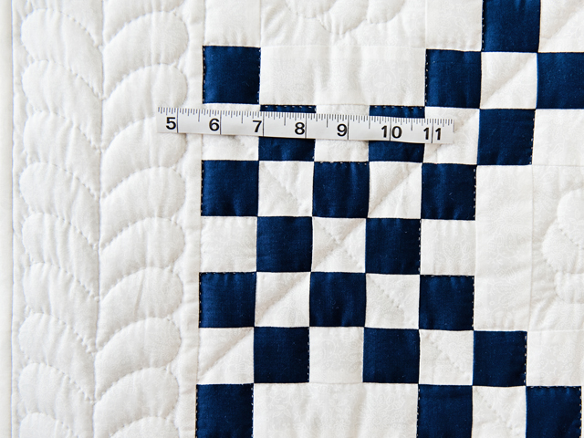 Navy and White Irish Chain Quilt Photo 3