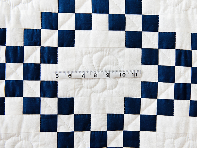 Navy and White Irish Chain Quilt Photo 4