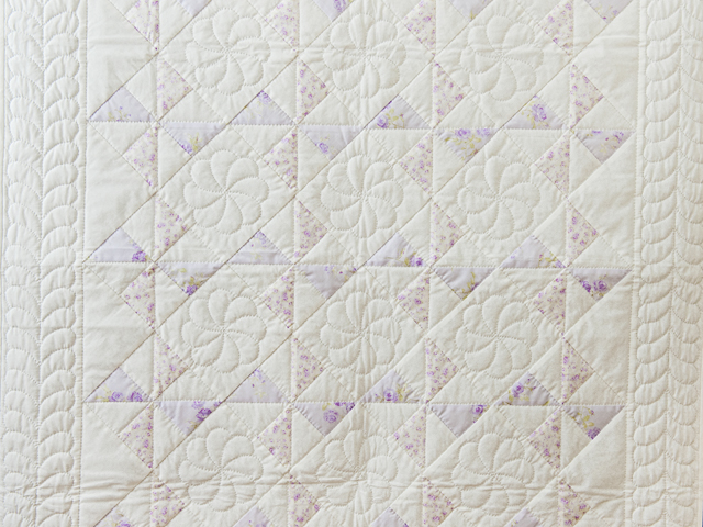 Delicate Lavender and White Pinwheel Crib Quilt Photo 2