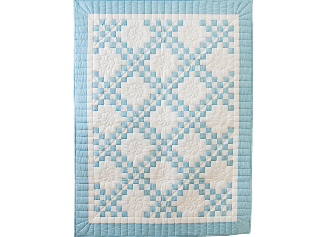 Beautiful Blue and White Irish Chain Quilt Photo 1