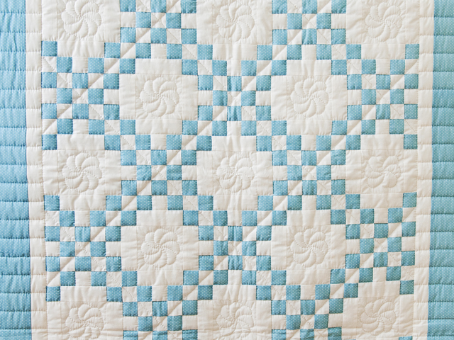 Beautiful Blue and White Irish Chain Quilt Photo 2