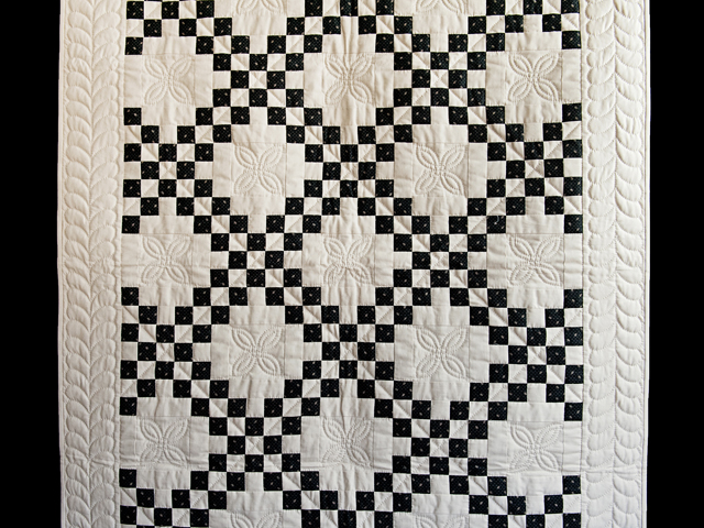 Black and Dark Tan Irish Chain Quilt Photo 2