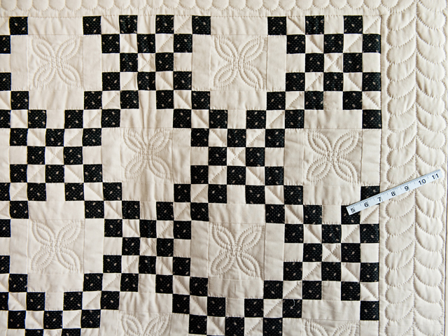 Black and Dark Tan Irish Chain Quilt Photo 3