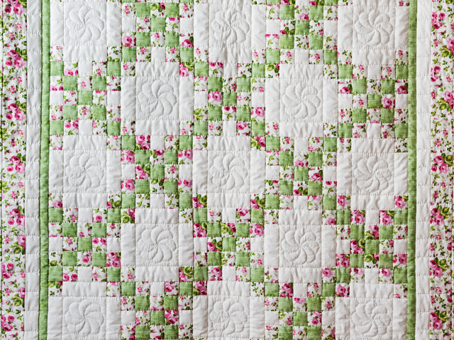 Roses, Green & White Irish Chain Quilt Photo 2