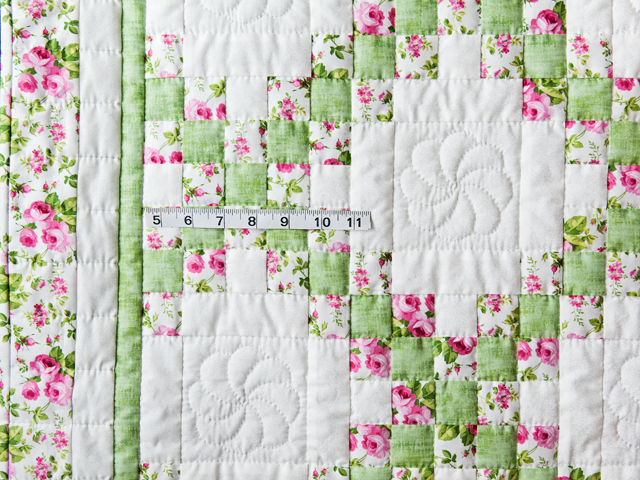 Roses, Green & White Irish Chain Quilt Photo 3