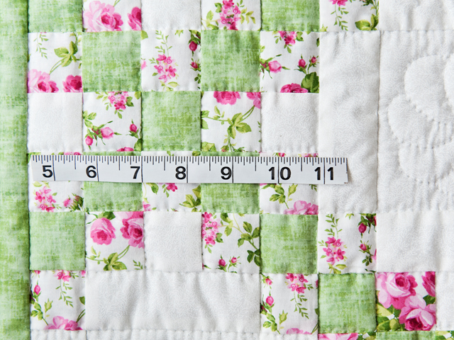 Roses, Green & White Irish Chain Quilt Photo 5