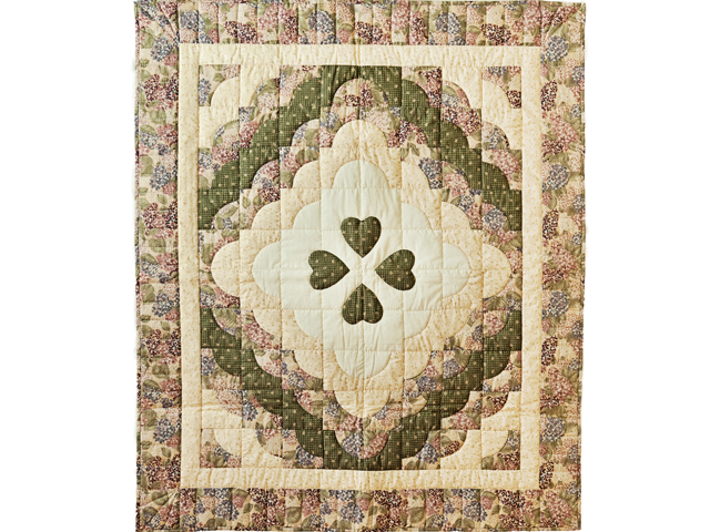 Pretty Floral Ocean Wave & Hearts Quilt Photo 1