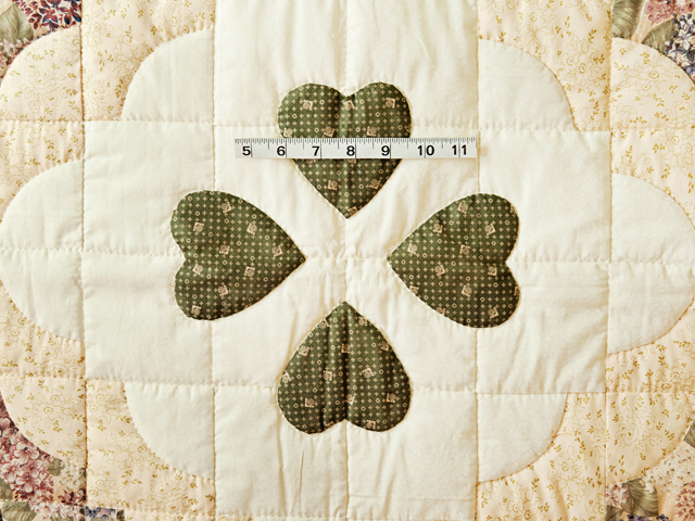 Pretty Floral Ocean Wave & Hearts Quilt Photo 3