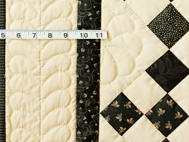 Gorgeous Black & Tan Nine Patch Throw Photo 5