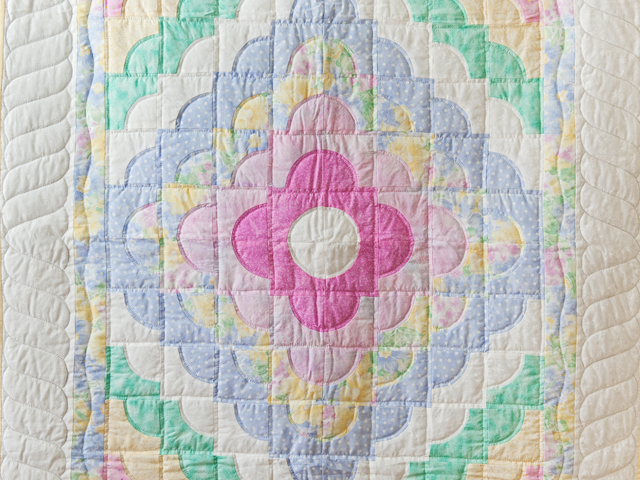 Pastel & White Ocean Wave Crib Quilt Photo 2