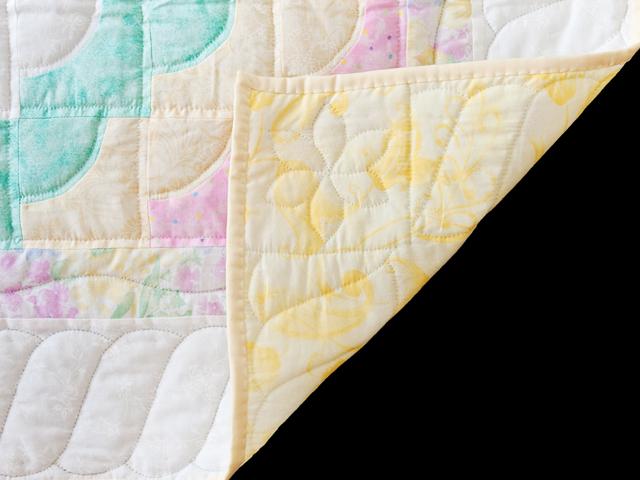 Pastel & White Ocean Wave Crib Quilt Photo 5