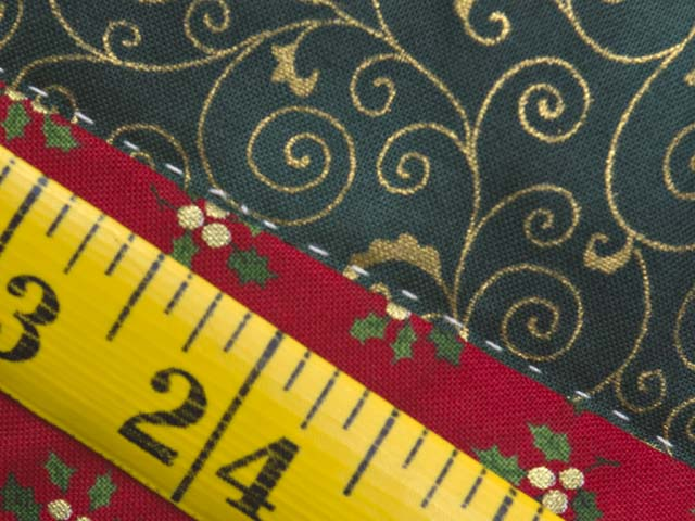 Lone Star Log Cabin Christmas Tree Skirt Photo 6