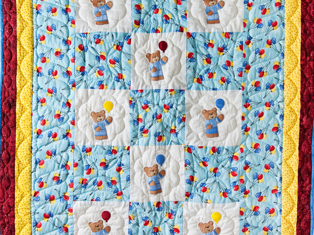 Party Bears & Balloons Crib Quilt Photo 2
