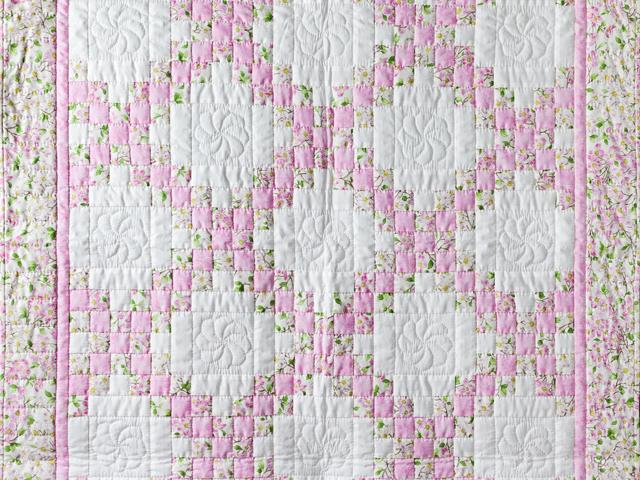 Pink and Cream Dogwood Blossom Irish Chain Quilt Photo 2