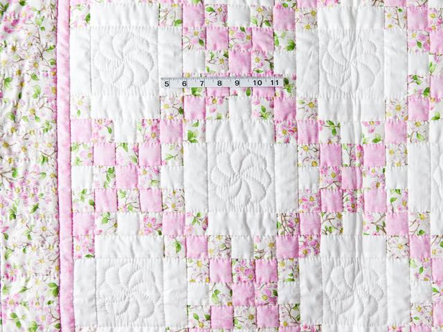 Pink and Cream Dogwood Blossom Irish Chain Quilt Photo 5
