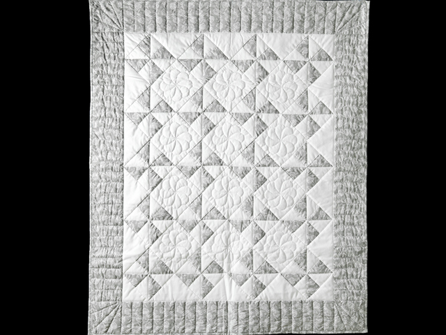 Pristine Gray and White Pinwheel Quilt Photo 1