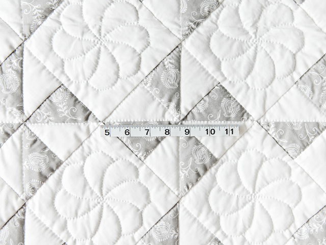 Pristine Gray and White Pinwheel Quilt Photo 3
