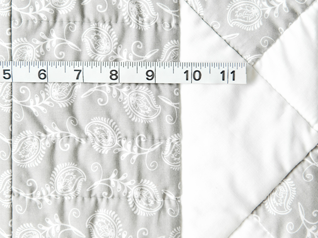Pristine Gray and White Pinwheel Quilt Photo 4
