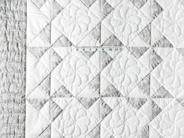 Pristine Gray and White Pinwheel Quilt Photo 5