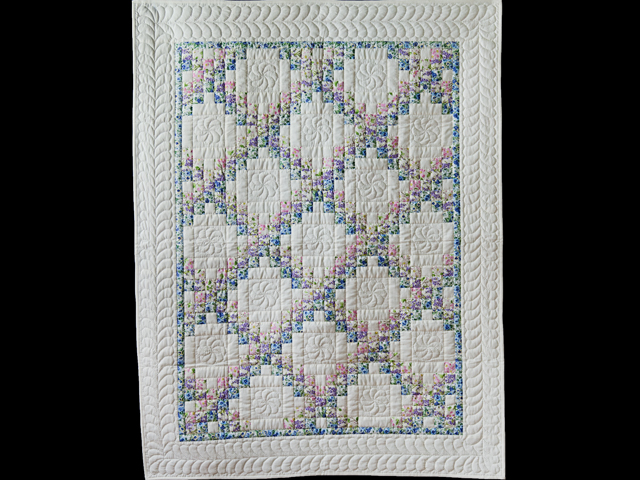 Beautiful Floral & Cream Irish Chain Quilt Photo 1