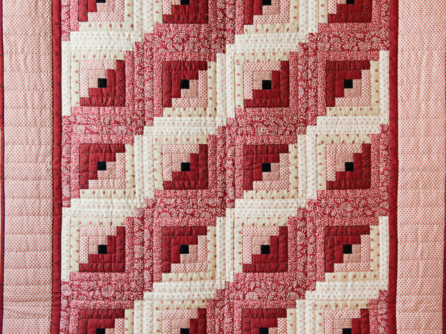 Gorgeous Red and Cream Log Cabin Quilt Photo 2