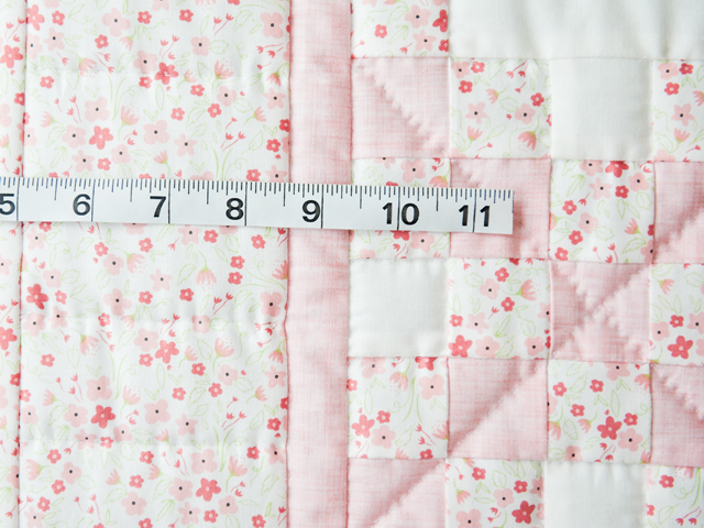 Delicate Floral Irish Chain Quilt Photo 4