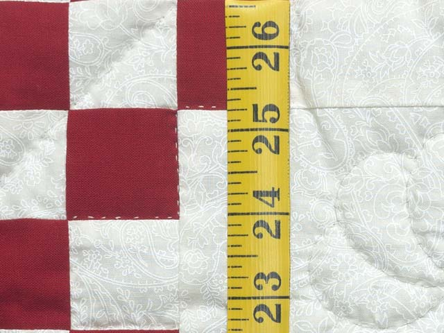 Red and White Irish Chain Quilt Photo 4