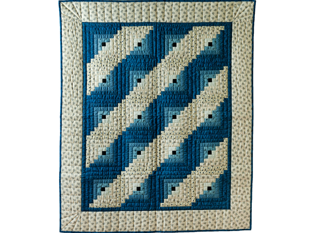 Navy and Cream Log Cabin Quilt Photo 1