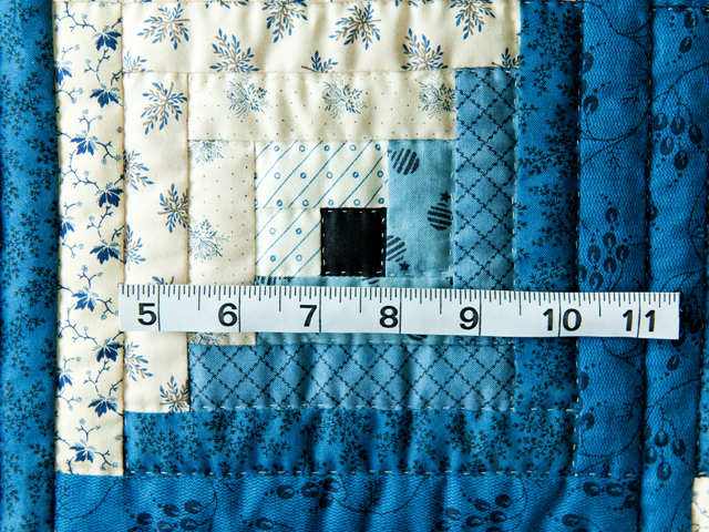 Navy and Cream Log Cabin Quilt Photo 4
