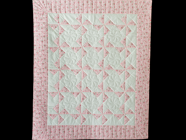 Cottage Garden Roses Pinwheel Quilt Photo 1